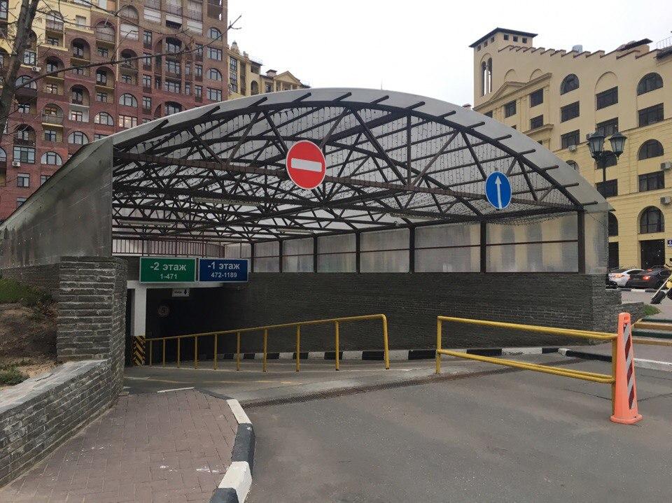 """Въезд на подземный паркинг в ЖК """"Маршал"""""""