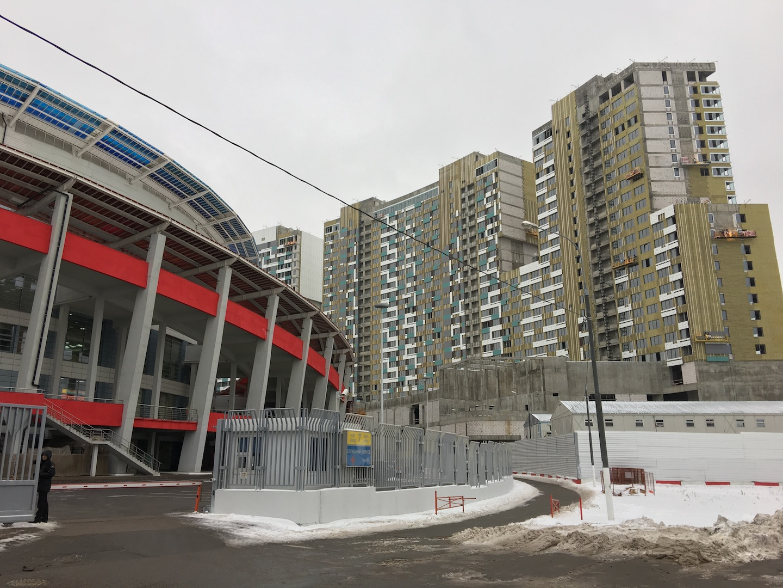 "Дворец Мегаспорт у подножия ЖК ""Лица"""