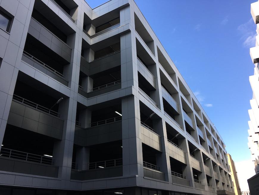 """Многоуровневый паркинг по соседству с ЖК """"Loftec"""""""
